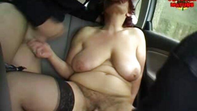 職人が彼女の家にいる間、主婦は角質になります。 女性 専用 エロ 動画